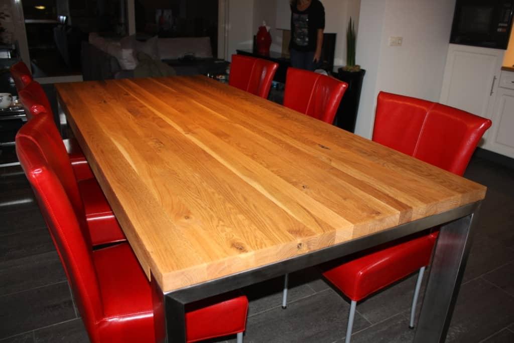 Eiken tafel met rvs poten vicini design for Eiken design tafel