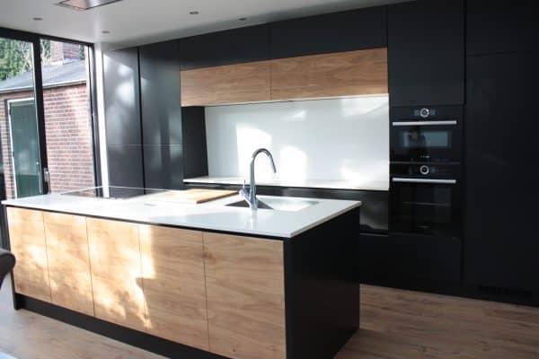 foto keuken antraciet met eiken