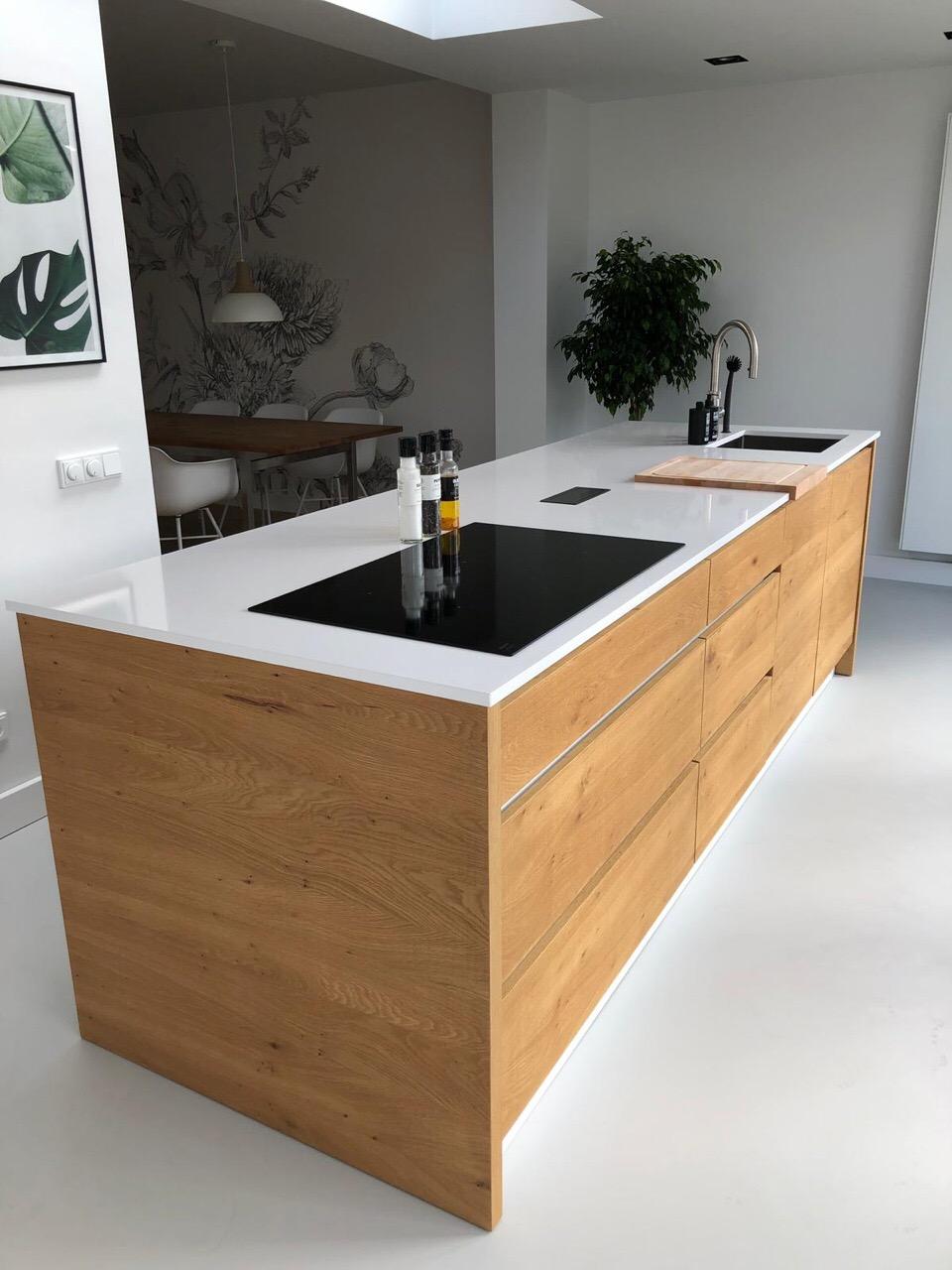 Keuken Hoogglans Wit Met Eiken Kookeiland Vicini Design